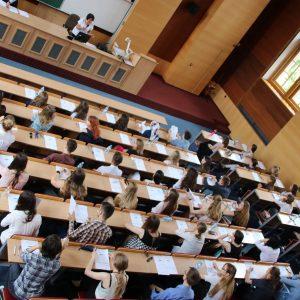 Adam Mickiewicz Üniversitesi