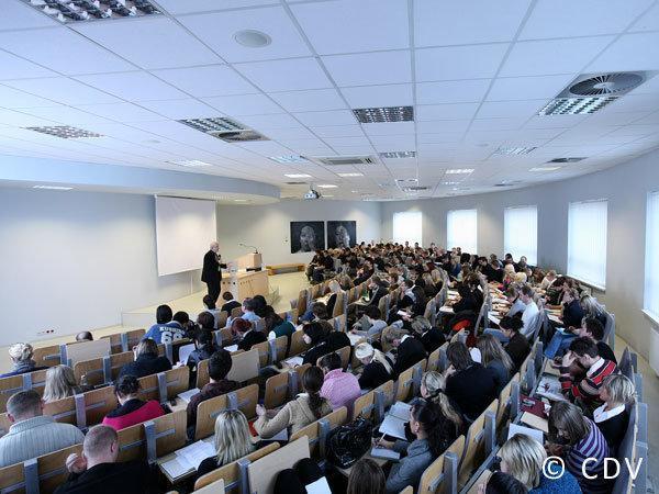 Collegium Da Vinci Üniversitesi