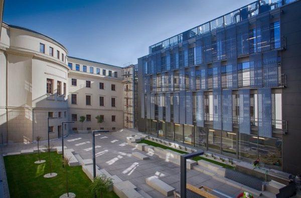 Poznan Güzel Sanatlar Akademisi